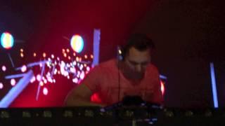 Tiësto Meet Tour Skoda - Showcase Paris - Spaceman - Son Remasterisé