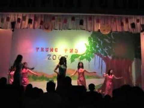 Tet Trung Thu 2007 - Umbrella Dance