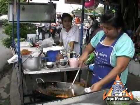 Thai Street Vendor Classic Pad Thai