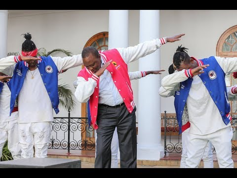 "President Uhuru Kenyatta sings for the very first time!! KARAOKE Rap Battles. ""NAS. I CAN"""