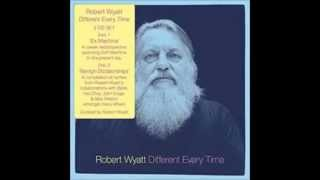 Robert Wyatt with Björk - Submarine
