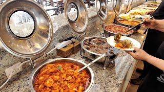 호텔 한식뷔페 같은 분위기랄까? 40가지 음식의 8,000원 한식뷔페 | $ 7 Korean Buffet, 40 Kinds of foods | Korean Street food