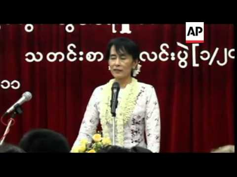 Myanmar - Release of  6,300 prisoners, Suu Kyi comment / Clinton meets President Thein Sein in histo
