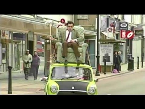 مستر بين يقود فوق سقف السيارة