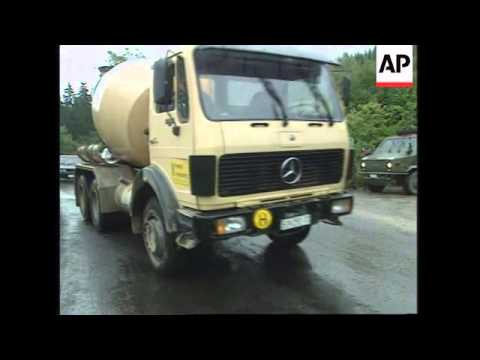 BOSNIA: SERB HARDLINERS RESUME TV & RADIO BROADCASTS