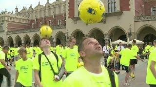 Poland sets world record for juggling footballs