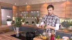 Hedelmäinen salsapasta ja broileripihvit