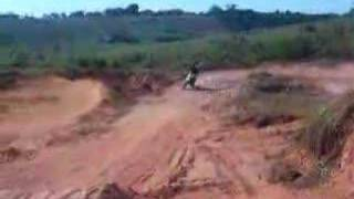 Rodrigo - Pulando de DT180