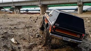Traxxas TRX4 Ford Bronco Mudding