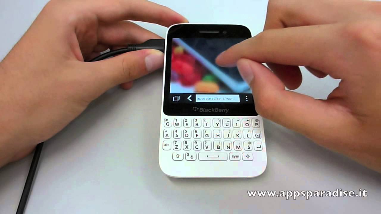 how to open a blackberry q5
