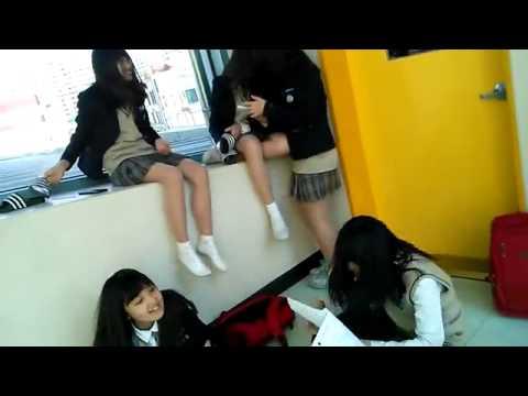 요즘 중딩 소녀들의 놀이모습(These days, a female middle school student is way that play)