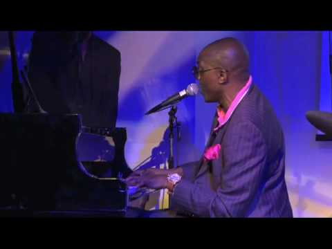 Justin Bowen | Extraits au piano | Palace Elysee Paris
