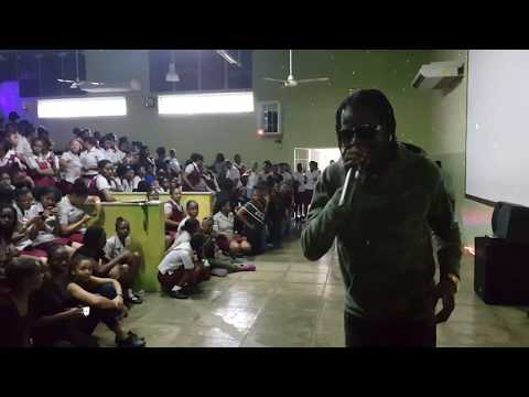 Govana Excites St. Andrew High School with 'Breezy' Performance