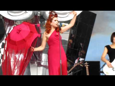 Paloma Faith - Stone Cold Sober live at V Festival 2010