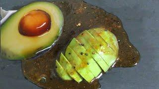 アボカドの卵黄醤油がけ kakeruの酒場さんのレシピ書き起こし