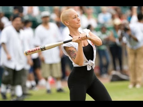 Amber Rose Hits A Home Run After Flirting With Kevin Durant At Celebrity Baseball Game