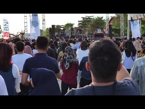 Payung Teduh - Akad Live (Full HD)