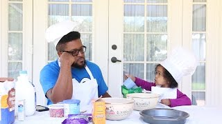 Toddler & Daddy Bake A Cake
