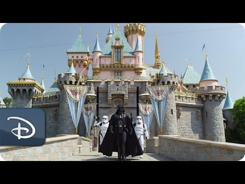 Darth Vader goes to Disneyland | Star Tours | Star Wars