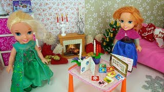 Elsa and Anna toddlers get ready for Christmas