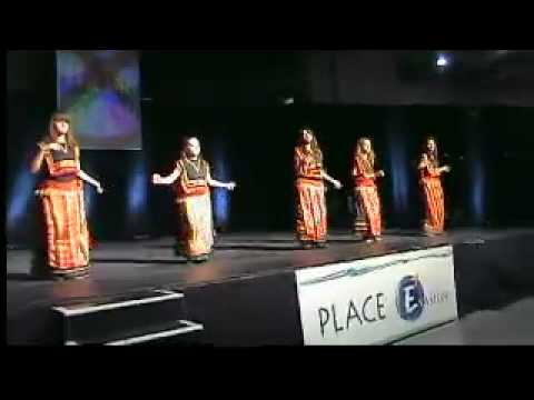 Tafsut chants et danses de kabylie au salon youtube for Youtube danse de salon