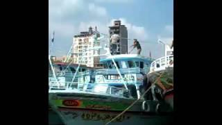 بالفيديو.. صيادو عزبة البرج يحتجون على قرارات السلامة البحرية