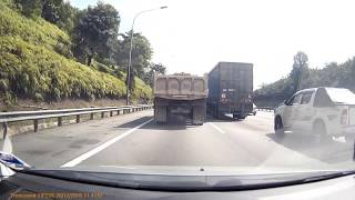 Accident while driving on NKVE | Wandering Speck
