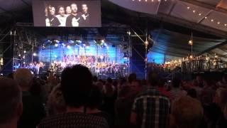 Rowwen Hèze slot concert gebrouwen in Limburg
