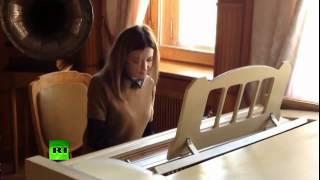 Поклонская сыграла на рояле путин хуйло