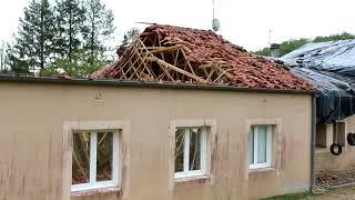 La salle des fêtes de Vilhonneur s'effondre à la suite des orages de grêle