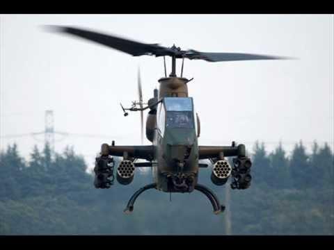 Foto elicottero da combattimento 100