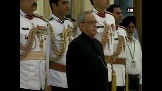 President Mukherjee hosts hi-tea for 1965 war veterans