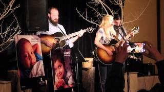 Смотреть клип Stephanie Quayle - No Parachute