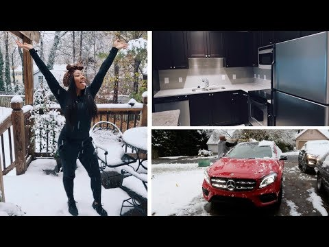 ♡ VLOGMAS #2 ● Moving in the SNOW! + EMPTY APARTMENT TOUR ♡