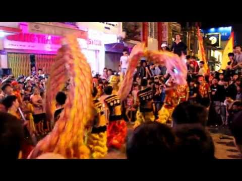 Đoàn lân sư rồng Bạch Ngọc Đường _ Trung Thu Huế 2012 - Múa Rồng GANGNAM STYLE