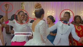 Angalia Alichofanya Mama Diamond Kwenye Harusi ya Diamond na Zari