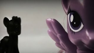 MLP It Follows Me ep1 (The Nightmare Begins)