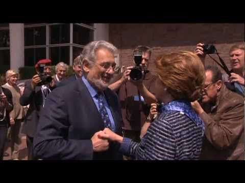 Plácido Domingo meets Androulla Vassiliou for the European Heritage Awards Ceremony in Amsterdam