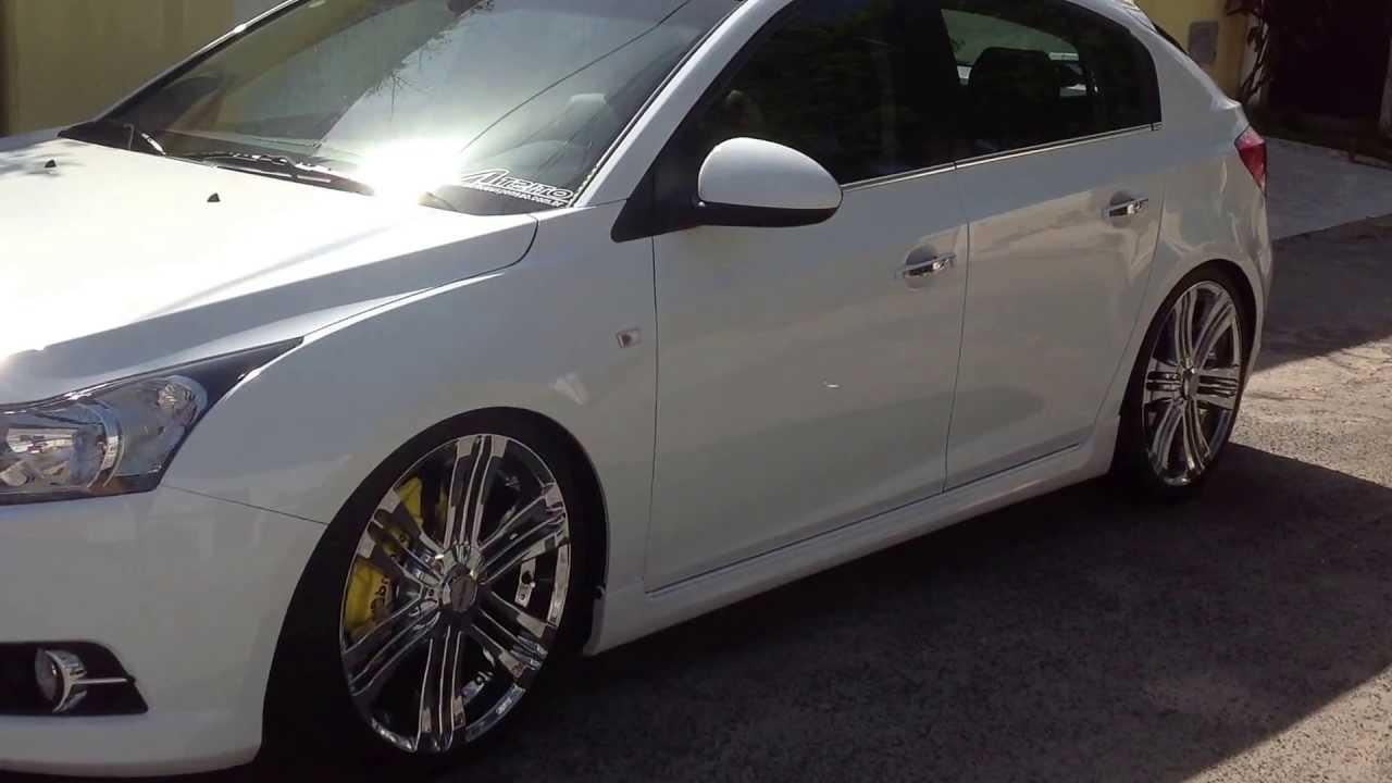 Cruze 2013 aro 20 com capas de pinça de freio originais ...