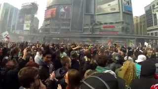 4/20 At Dundas Square Toronto 2014