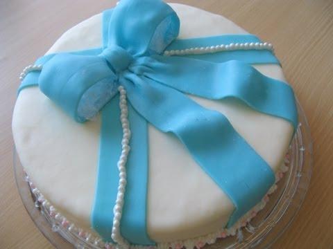 Zitronenkuchen mit Marshmallow-Fondant (Lemon Cake with MM-Fondant)