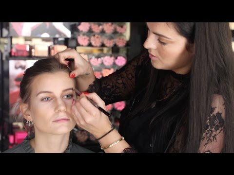 Kylie Jenner MAKEUP Tutorial - SUPER LET Trin for Trin Guide from YouTube · Duration:  3 minutes 49 seconds