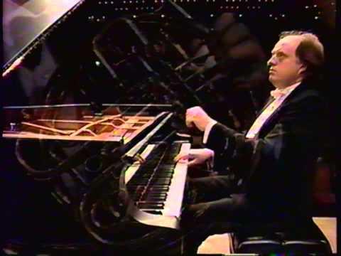 Rachmaninov: Rhapsody on a Theme of Paganini, Op. 43, Piano: Peter Donohoe