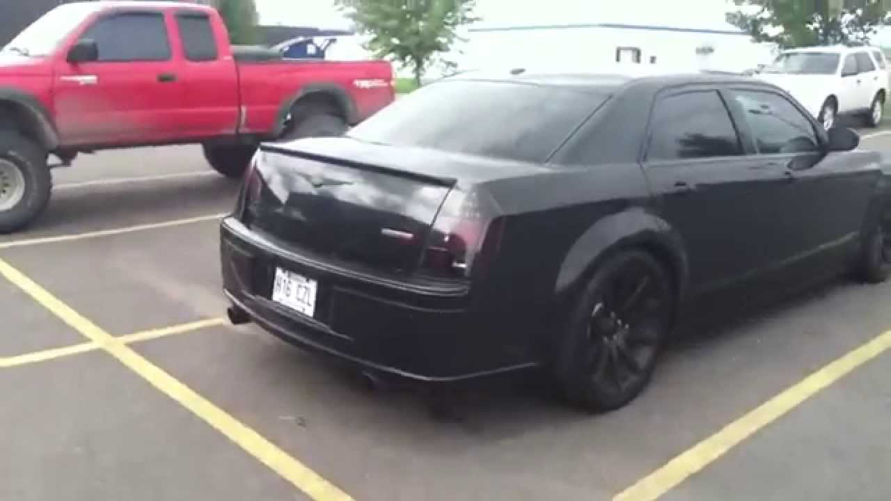 all black chrysler 300 srt8 youtube. Black Bedroom Furniture Sets. Home Design Ideas