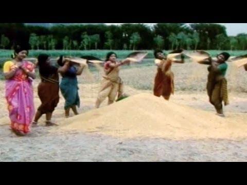 Padaharella Vayasu Songs - Panta Chenu Paala Kanki Navvindi - Sridevi,Chandramohan