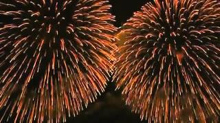 Замечательный салют, фейерверк в Китае, 2012 год(Замечательный салют, фейерверк в Китае, 2012 год Мрнетизируйте свой канал бесалатно ▻ Сайт http://youtube.leadural.ru/..., 2014-01-01T15:53:26.000Z)