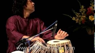 Zakir Hussain and Amjad Ali Khan: jugalbandi in Delhi, 1999