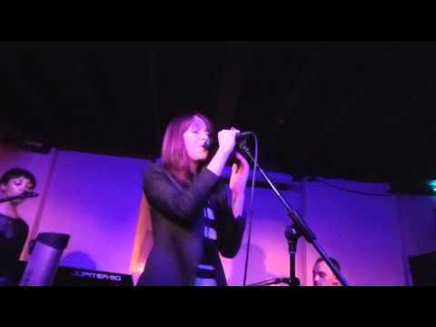 Laura Welsh - Unravel (HD) - Servant Jazz Quarters - 12.01.15