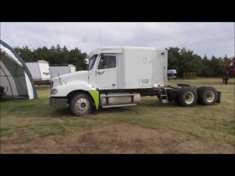 2001 Freightliner Columbia 120 semi truck for sale | no-reserve Internet  auction August 24, 2017