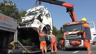 27.08.2019 - VN24 - (Teil2) Silozug prallt auf Sattelzug - Bergung zweiter LKW